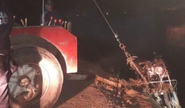 Conductor de moto cae a dren en ejido 5 de Mayo, Ahome