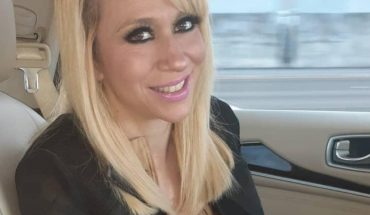 Impacta Noelia con ajustado vestido en color beige