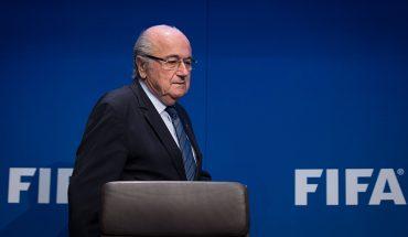 """La FIFA denuncia penalmente a Blatter por """"presunta mala gestión delictiva"""""""