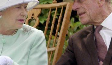 La reina Isabel es 'gruñona' y el príncipe Felipe 'coqueto'
