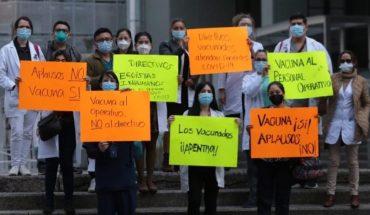 Médicos del Hospital La Raza denuncian favoritismo en vacuna contra Covid-19