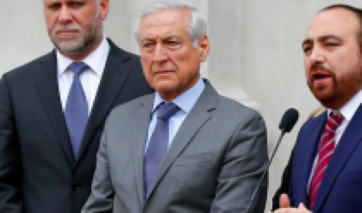 """Oposición por salida de Desbordes y Sichel: """"Demuestra el poco respaldo al Gobierno que ellos apoyan"""""""