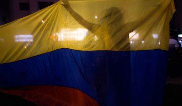 Oposición venezolana arranca su consulta popular tras cuestionar elecciones legislativas