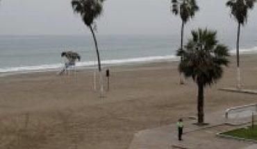 Perú cierra playas, incrementa toque de queda y disminuye aforo a comercios
