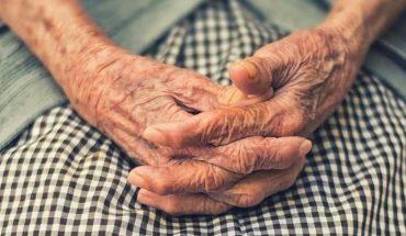 Superviviente de 102 años de la gripe española se curó dos veces de COVID-19