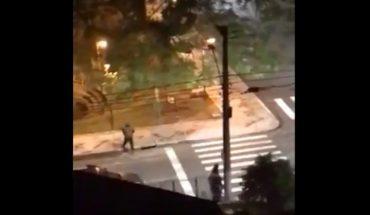 [VIDEO] Decenas de sujetos armados con fusiles se tomaron ciudad de Brasil mientras asaltaban un banco