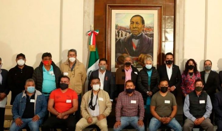 CNTE members release train tracks in Michoacán after meeting with Olga Sánchez and Silvano Aureoles