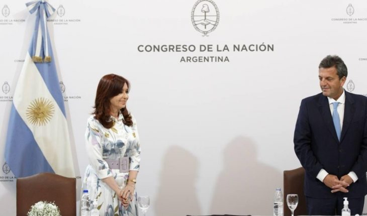 Cristina and Massa received the report of the bicameral commission on the actions of the intelligence services
