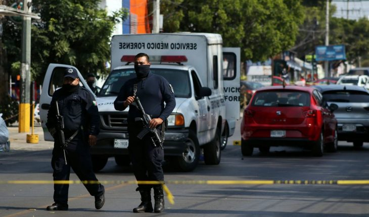 Mexico closes 2020 with drop in homicides and slight rise in femicide