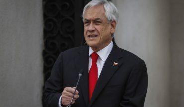 Piñera self-dens for maskless walk on the beach
