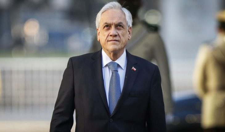 President Piñera apologizes for walk without mask