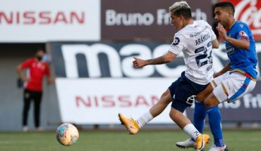 The U defeated Audax Italiano 3-1: they scored Lenis on their debut and Aránguiz on return after injury