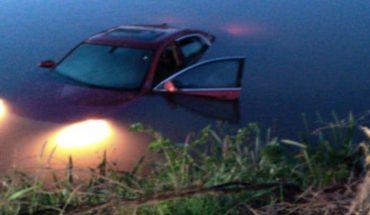 Cinco jóvenes caen a canal en un auto en Ahome, Sinaloa