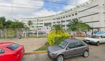 Destituyen a director de hospital en Tabasco por recibir vacuna COVID