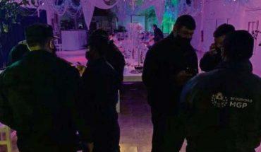 Policías detectan fiesta masiva de intercambio de parejas en Mar del Plata