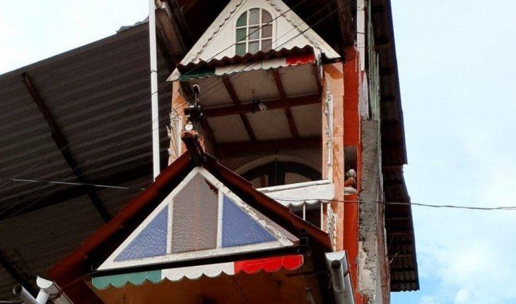Meet the World's Narrowest House in Uruapan