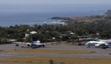 """Conflicto del aeropuerto de Rapa Nui: alcalde apunta al Gobierno y denuncia que """"no dialoga con nosotros, como tampoco lo hace en el sur"""""""