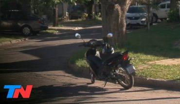 Vivir robado   Motochorros le robaron la moto a un repartidor: es el cuarto vehículo que le sacan