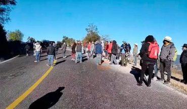 Comuneros bloquearon salida Toluca por temas de seguridad