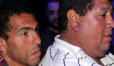 Second, Carlos Tévez's father died after struggling with various health problems