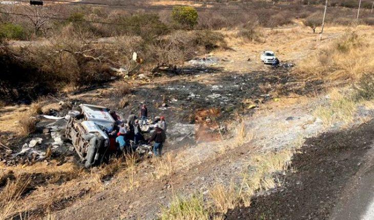 Se registra aparatoso accidente en Ecuandureo, Michoacán