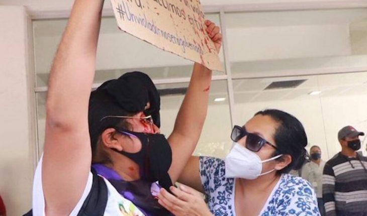 They assault feminist protesting in Guerrero against Felix Salgado