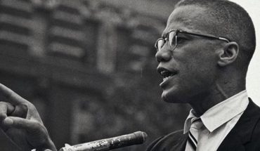 They call for reopening the investigation into the murder of Malcolm X