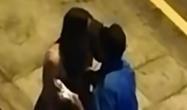 Woman kisses police to avoid fine for curfew in Peru