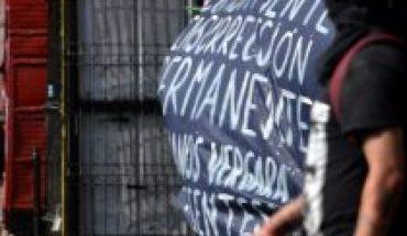 Incidentes en el Día del Joven Combatiente: Más de 10 detenidos y un carabinero herido