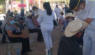 Ponen vacuna contra covid-19 a adultos en Sinaloa municipio