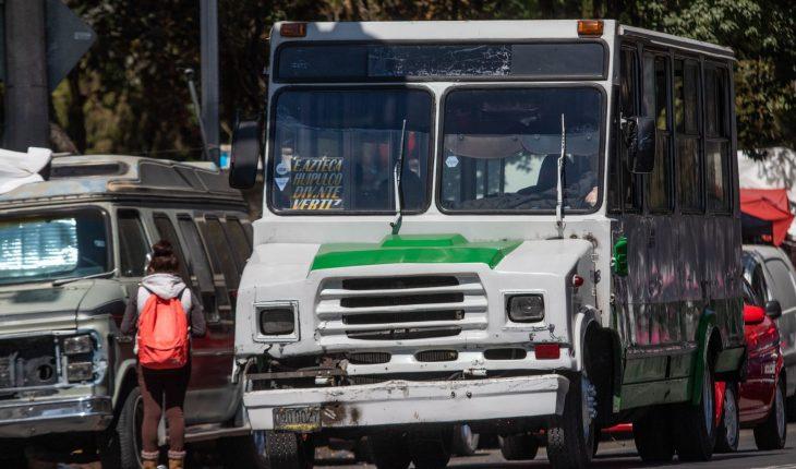 Transportistas bloquean 10 zonas en CDMX: exigen aumento de tarifa