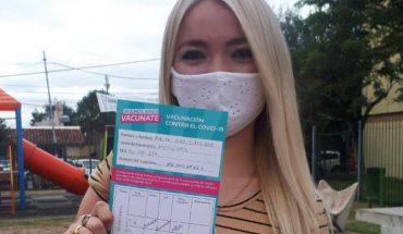 Vacunaron contra el COVID-19 a una joven de 18 años que milita con Jorge Ferraresi