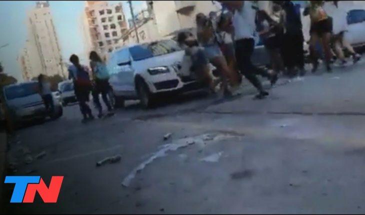 Un automovilista atropelló a un grupo de adolescentes que festejaban el último primer día de colegio