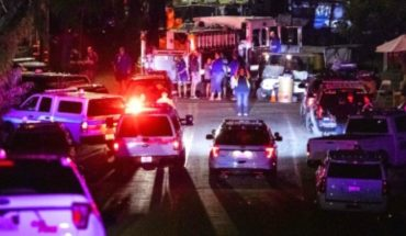Mass shooting leaves 2 dead and 13 wounded in South Chicago