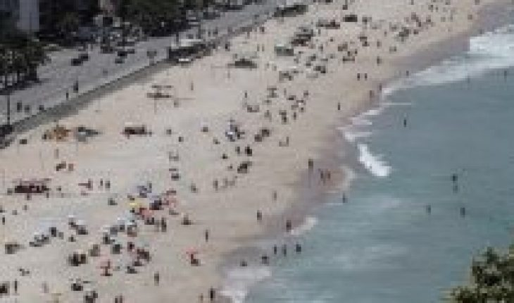 Rio de Janeiro closes its beaches on the weekend to contain the covid-19