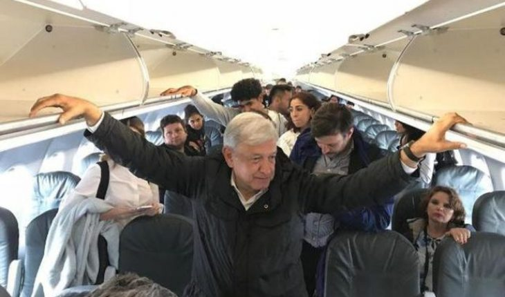 "They prohibit the sale of alcohol in flight where AMLO traveled ""to avoid alterations"" and insults"