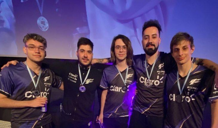 Batacazo e historia en los esports: El equipo argentino 9z Team superó al mejor jugador del mundo y su equipo