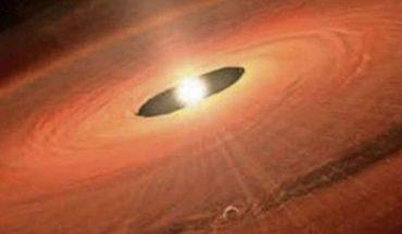 Chileno de 25 años lidera hallazgo de un planeta con 5 veces la masa de Júpiter