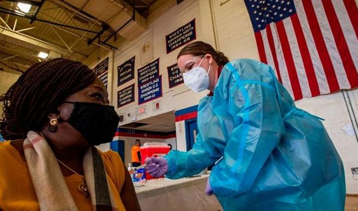 Estados Unidos suma 566.875 muertos y 31.625.873 contagios por covid-19