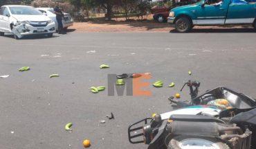 Grave pareja que de motociclistas que fue embestida por un auto en Los Reyes, Michoacán