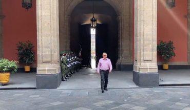 Le llueven críticas por su entrada a Palacio Nacional