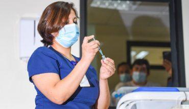 Salud no descartó aplicar una tercera dosis de vacunas contra el covid