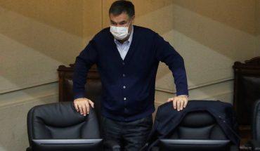 """Senador Ossandón por tercer retiro: """"Presidente Piñera llega tarde y agudiza un conflicto institucional que está instalado en el Congreso"""""""