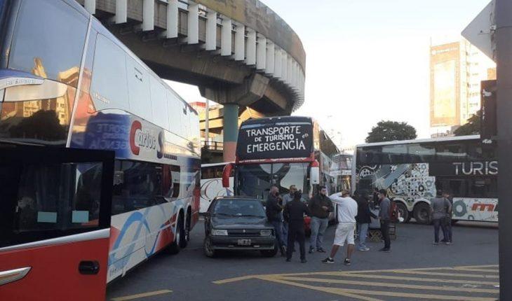 Sigue la protesta de choferes de micros en CABA: advierten que es por tiempo indefinido