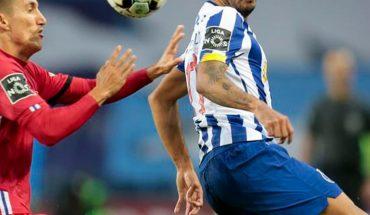 Tecatito comete grave error para gol del Chelsea ante Porto