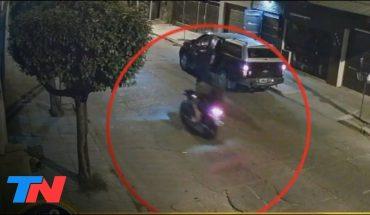 Otro asalto de motochorros en San Justo: lo apuntaron con el arma y le robaron la camioneta