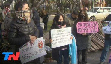 Protestas en Santa Cruz: reclamo por las clases presenciales en las escuelas y de personal de salud