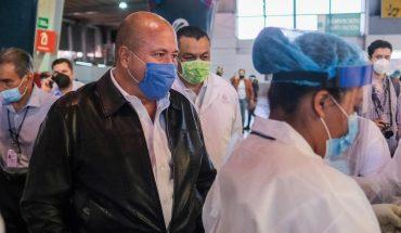 Visita Enrique Alfaro puntos de vacunación en Zapopan