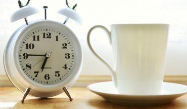 cómo debes cambiar tu reloj el domingo 4 de abril
