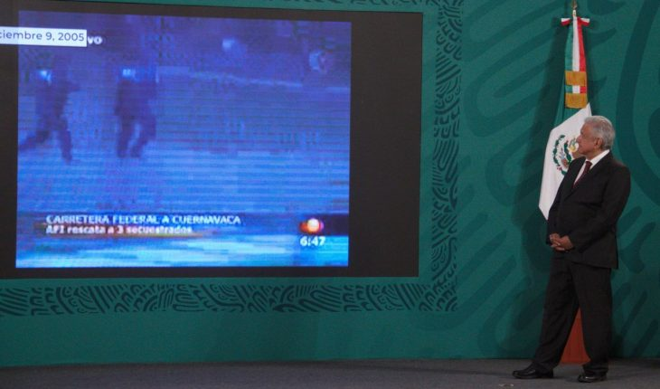 AMLO lectures on Cassez case and television montage from 15 years ago